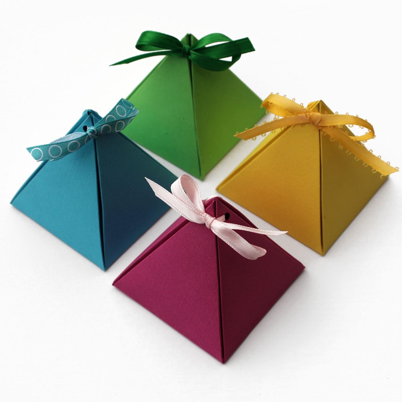 Birkaç adımda kendi elinizle hediye kutusu