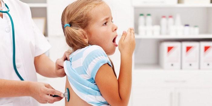 Gece çocuğunda güçlü bir öksürük varsa, ebeveynler ne yapmalıdır